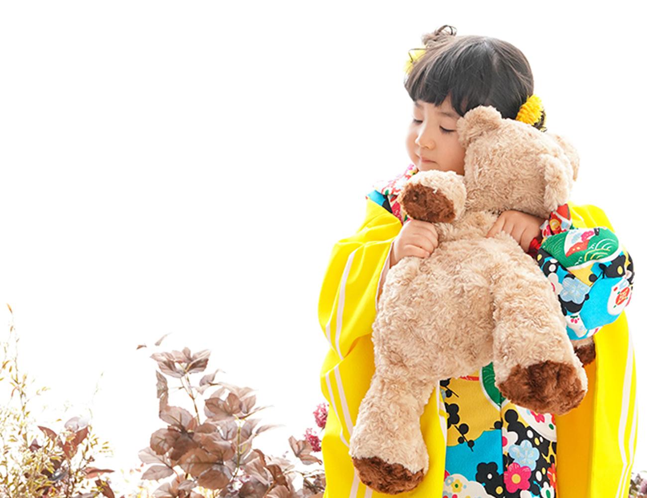 お花とクマちゃんと、3歳黄色七五三